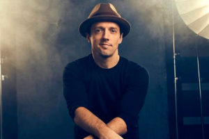 "Jason Mraz lança novo single, ""Unlonely"""