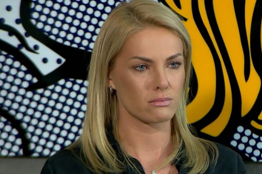 Ana Hickmann capricha no presente do Amigo Secreto e ganha só uma ... 6cc5853589